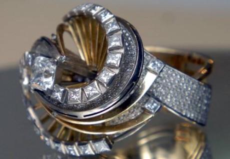 Свадебное кольцо «Танец ангела»