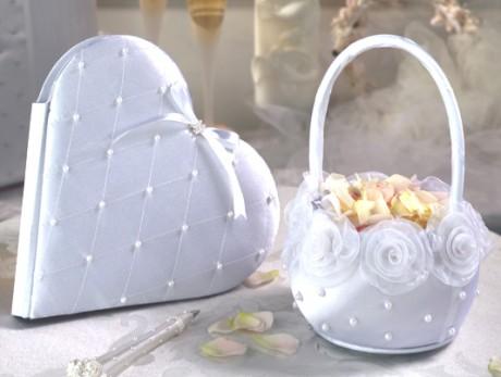 Два варианта сумочки невесты