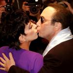 """Обладательница """"Оскара"""" Лайза Минелли вышла замуж за продюссера Дэвида Геста в марте 2002. Свидетелями на свадьбе были Майкл Джексон и Элизабет Тейлор."""