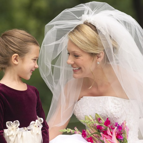 Дети на свадьбе - невеста