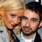 Поп-звезда Кристина Агилера вышла замуж за музыкального продюсера Джордана Братмана в ноябре 2005, в Калифорнии