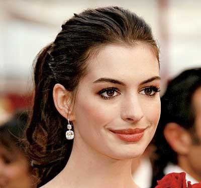 Свадебная прическа Anne Hathaway