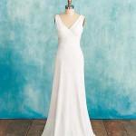 Что тебе нужно для свадебного наряда: платье, которое стягивается на самом узком месте талии и постепенно расширяется в А-образный силуэт.