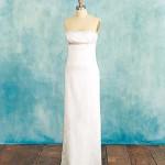 Что тебе нужно для свадебного платья: наряд, который создаст округлости там, где их нет.