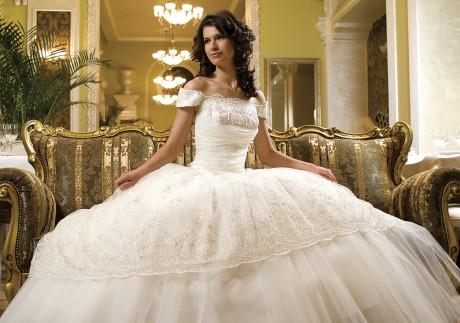 Ох уж эти суеверия! Каким должно быть свадебное платье невесты
