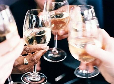 Буйный выпивший гость