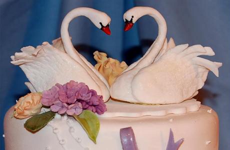 Лебеди на свадебный торт