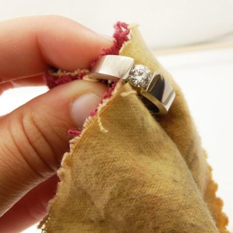 Как чистить обручальные кольца