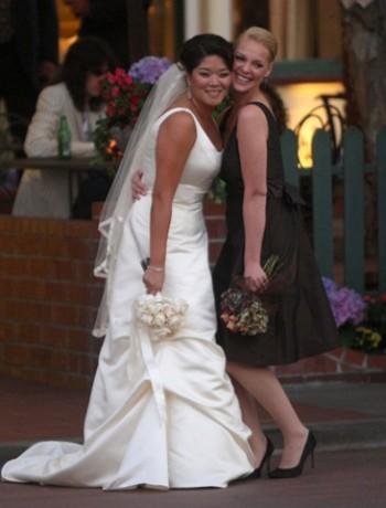 Кетрин Хейгл на свадьбе
