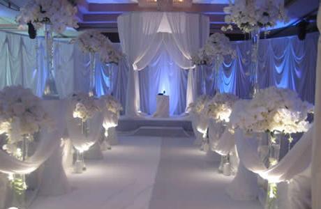 Свадебные украшения в мягких тонах
