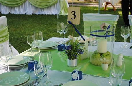 Оливковые оттенки в свадебном декоре