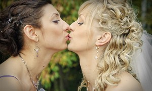 Подружка с невестой