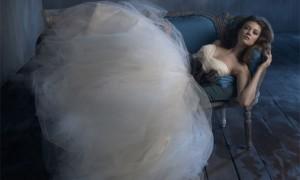 Свадебное платье в пышной юбкой