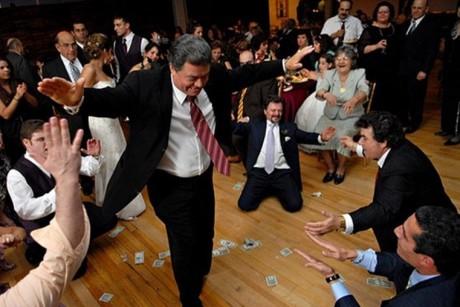 Свадебные гуляния в Греции
