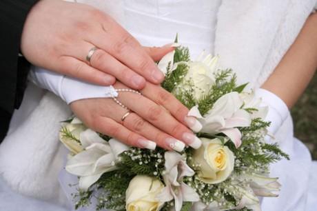 Французский свадебный маникюр