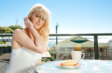 Утренний чай на балконе для невесты