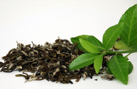 Завари зеленый чай для ног