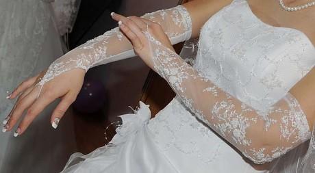 Свадебные перчатки невесты
