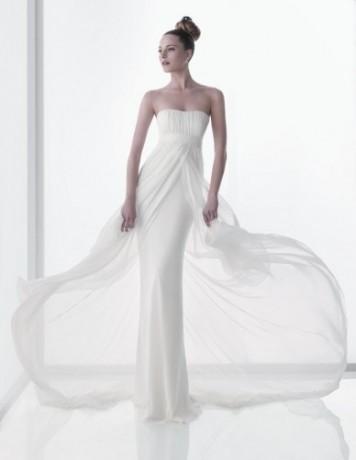 Это свадебное платье футляр