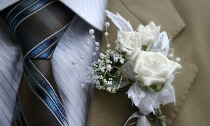 Галстук - важный аксессуар для жениха