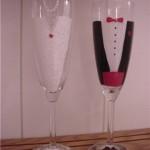 Изящные бокалы в виде свадебных нарядов молодоженов