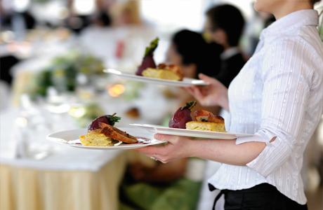 Будь внимательна к официантам