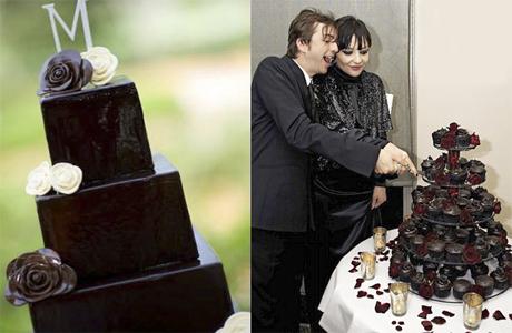 Свадебный торт в черном шоколаде