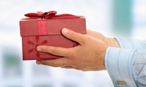 Что подарить на свадьбу тестю