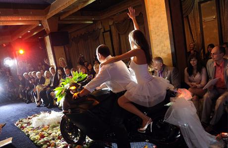 Свадебный кортеж - эпатаж