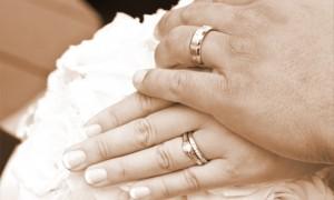 Кольцо помолвки должно сочетаться со свадебными кольцами