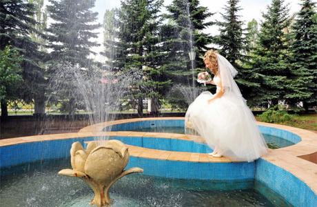 Купания в фонтане
