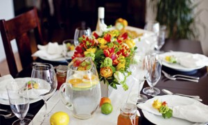 Летний свадебный стол