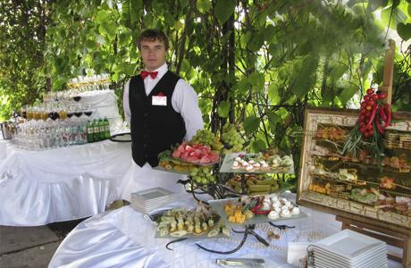 Нужны ли официанты?