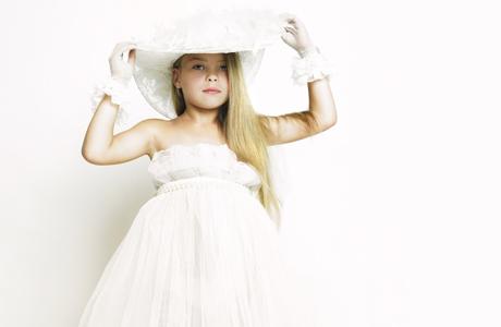 Одежда для девочки на свадьбу