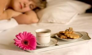 Побалуйте друг друга завтраками в постель