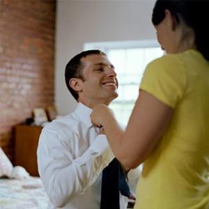 Помогите жениху завязать галстук