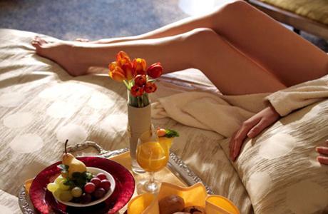 Он порадует тебя завтраками в постель