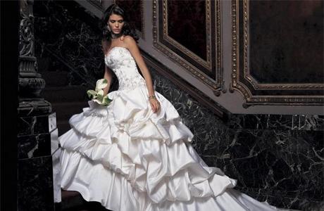 Платье невесты с подъюбником