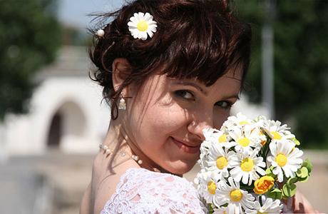 Ромашка – то, что нужно молодой невесте для летней свадьбы