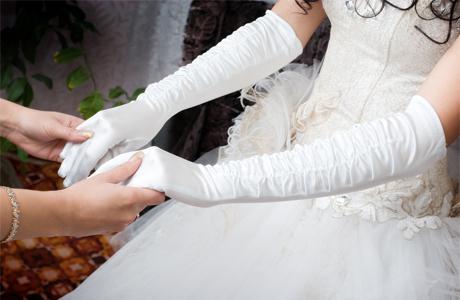 Свадебные перчатки из плотной ткани