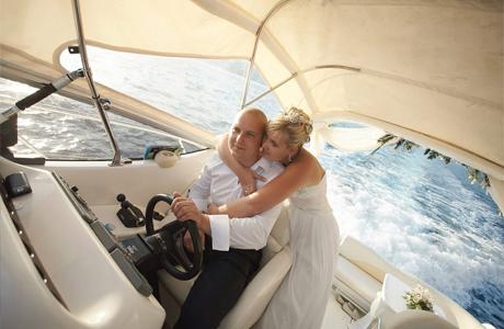 На свадьбу на яхте