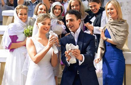 Свадьбы звезд весной