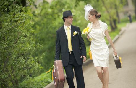 Весенние свадебные аксессуары для жениха