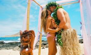 Дресс-код гавайской свадьбы