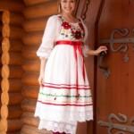 Элементы украинской вышивки на свадебном платье добавят ему шарма и национального колорита