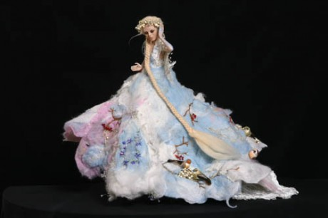 Фарфоровая кукла-невеста