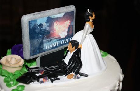 Нелепые украшения свадебных тортов