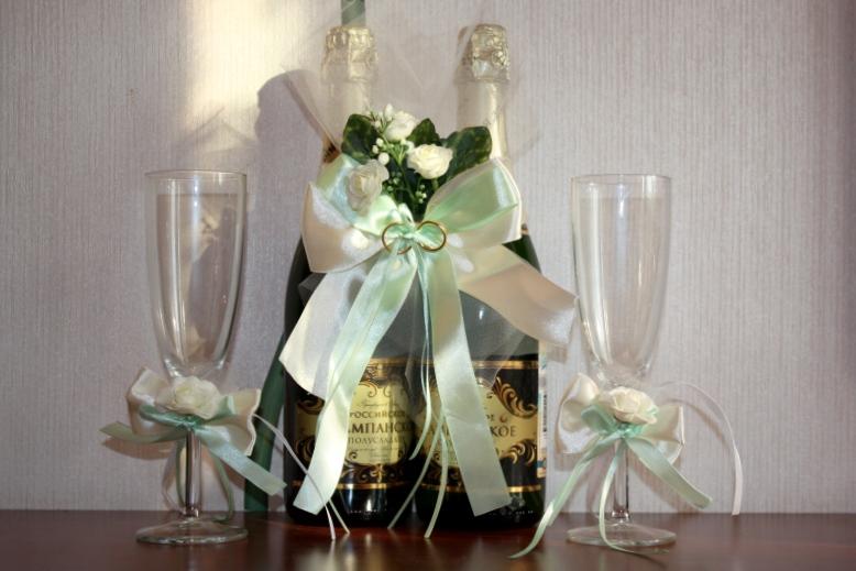 Связанное шампанское на свадьбу