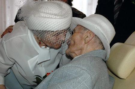 Самые старые молодожены в мире