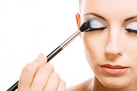 Как сделать свабедный макияж глаз